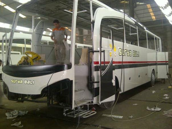 Jetbus HD Surya Bali di Workshop