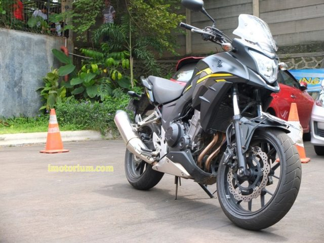 Honda CB500X review imotorium.com