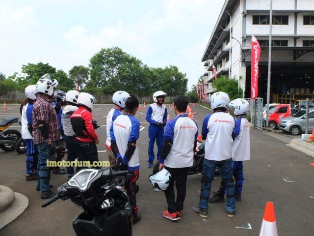 Safety Riding Wahana Honda - Jatake (60)
