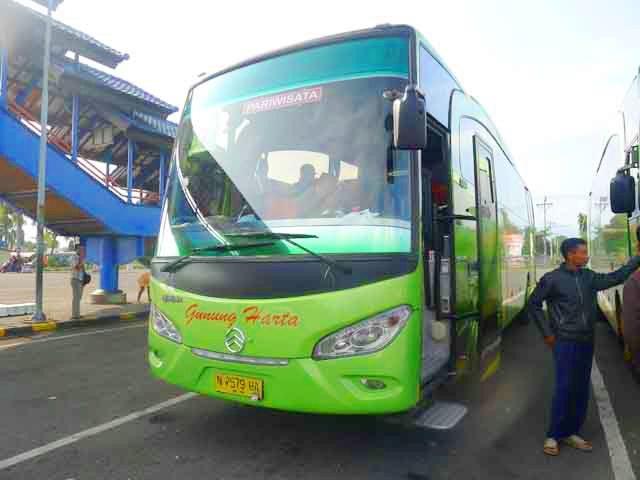 PO Gunung Harta  bus imotorium (3) Golden Dragon
